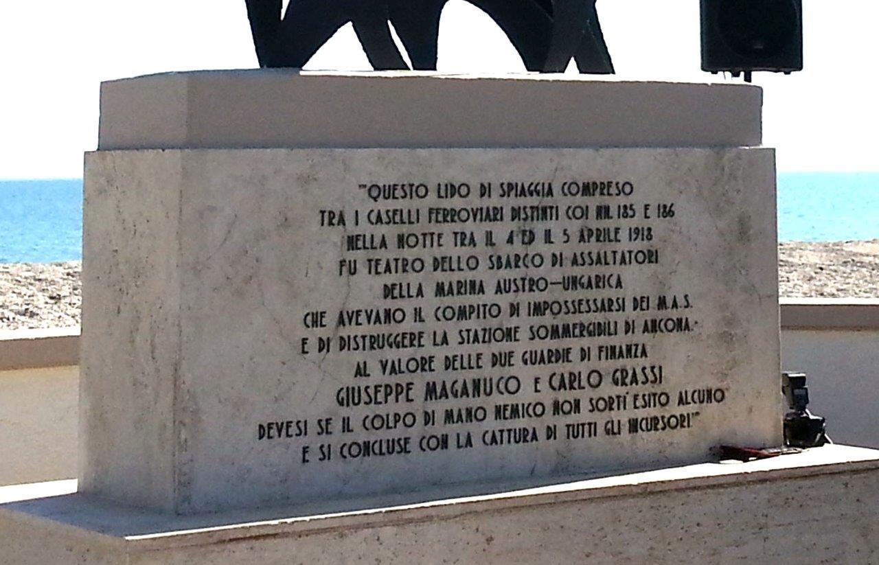 CAMBIO DELLA GUARDIA AL COMANDO MILITARE ESERCITO MARCHE