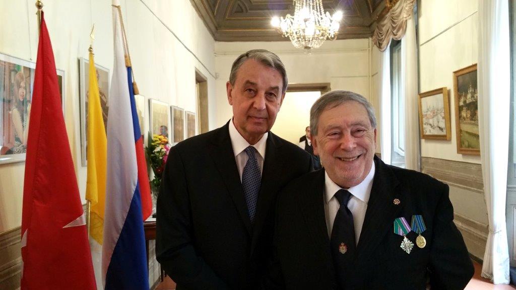 AMBASCIATORE RUSSO: PAPA PREOCCUPATO PER SIRIA, CHIEDE NEGOZIATI DOPO LA MOSTRA