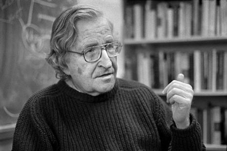 Altro che feroce invasione in Crimea, Noam Chomsky